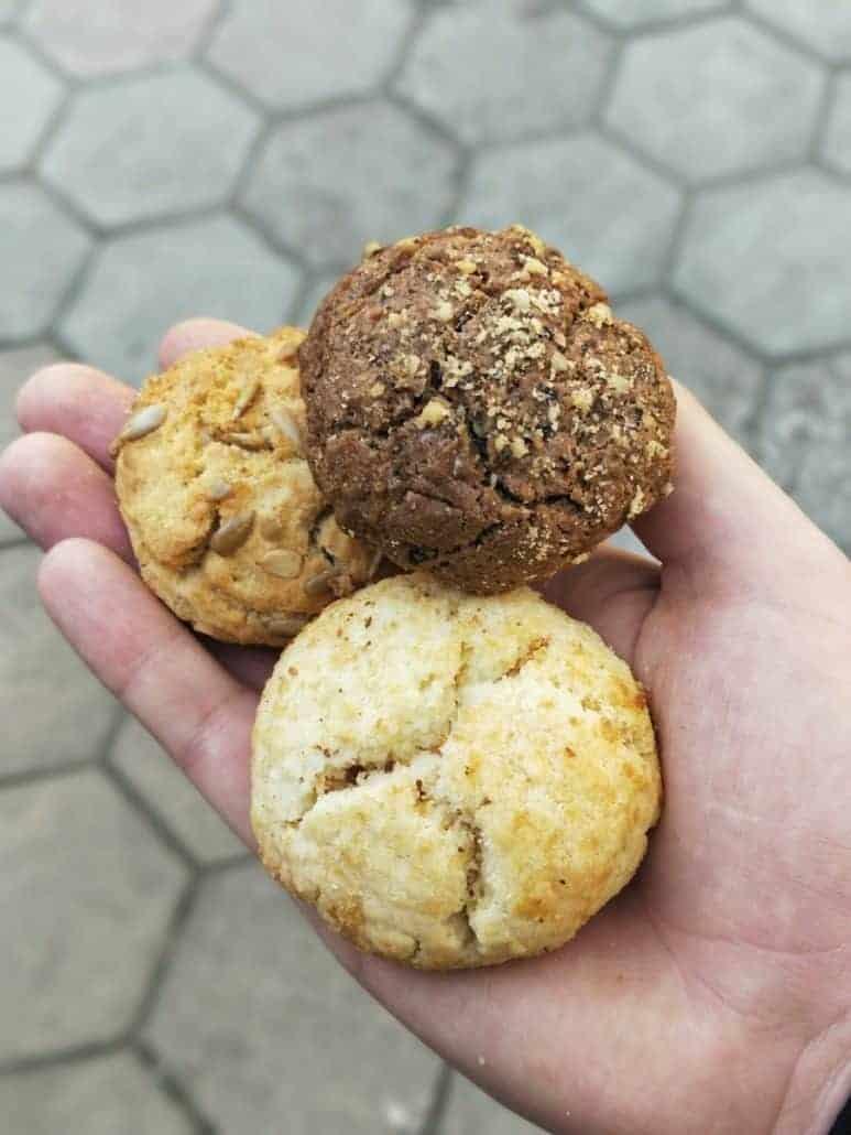 Kurabiiki biscuits