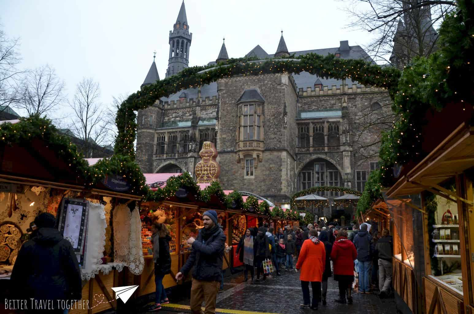 chirstmas market in front of the city hall