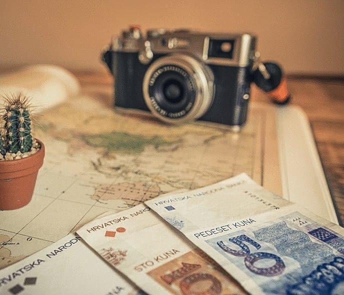 camera with money
