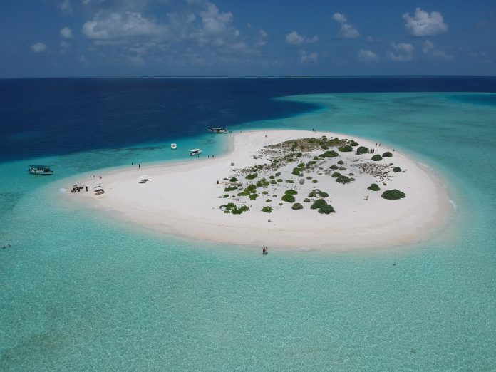 visiting the maldives on a budget